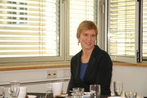 Lisa Grünwald arbeitete mehrere Monate lang mit Alex Katz und Prof. Essl an der Ausstellung.