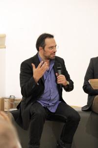 Martin Schnur spricht über die Bilder, die er in seinem Kopf hatte, als er Josef Kleindiensts Text hörte.