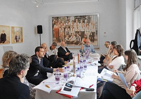 Jury Session at Galéria MEDIUM (Bratislava) in 2013 © Archiv Sammlung Essl
