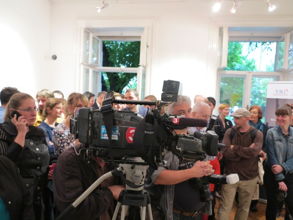 Flocks of people in Bratislava, EAA 2013, © Sammlung Essl, Klosterneuburg/Wien