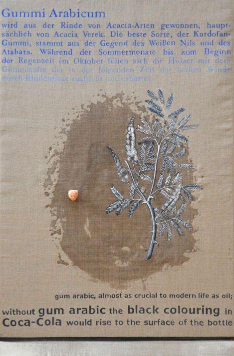 Johanna Kandl, Gummi Arabicum wird aus der Rinde, 2015, Gummi Arabicum, Gummi Arabicum Stücke und Tempera auf Leinwand, 150 x 100 cm, Courtesy die Künstlerin, Foto: Helmut & Johanna Kandl
